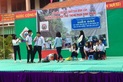 Diễn đàn về xây dựng tình bạn đẹp và nói không với bạo lực học đường